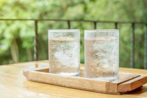 40代からのプロトン水。便秘や関節痛改善も!中高年女性の悩みを水で解決