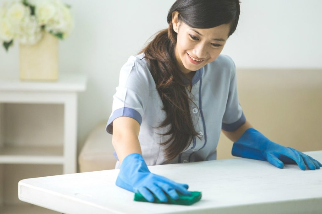 部屋の掃除にもプロトン水洗剤を使える
