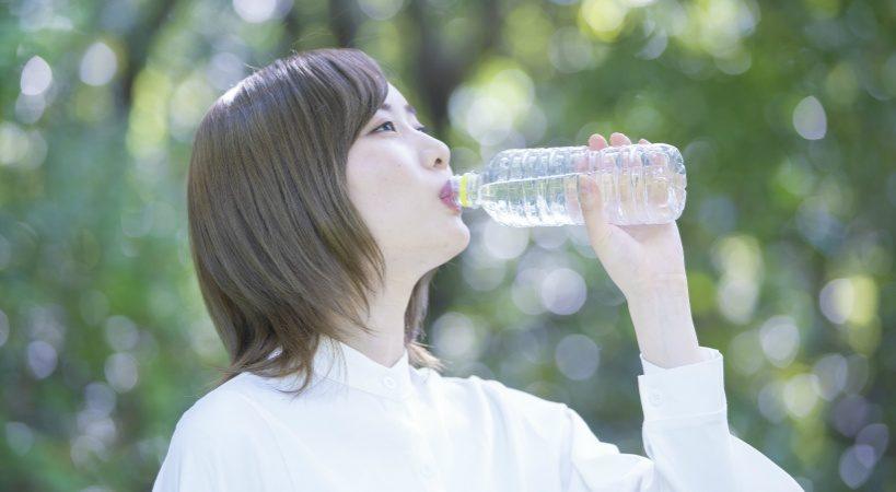 近年人気の水素水。おすすめは還元水素水