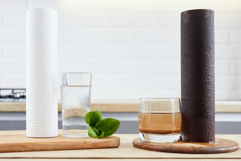 カルキ臭が気になる人は蛇口直結型。健康を気遣う場合は据え置き型浄水器を選んでみては