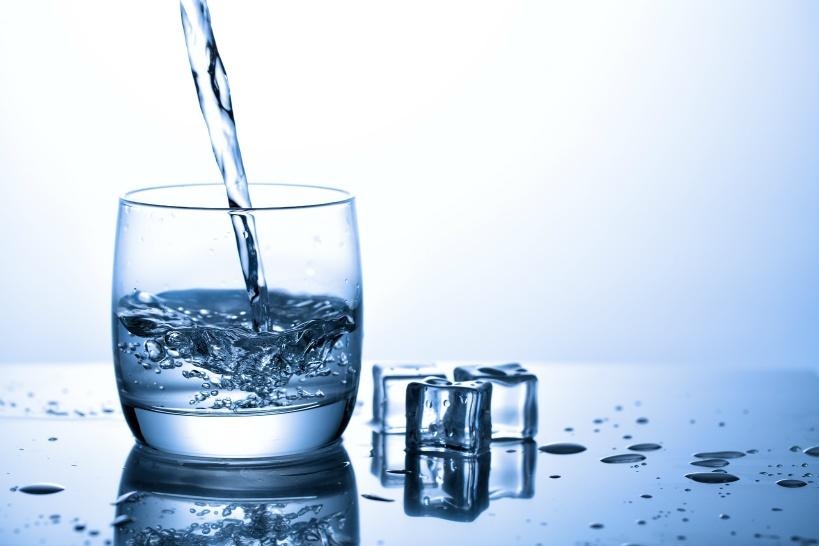 据え置き型に興味を持った方におすすめしたい「プロトン水」
