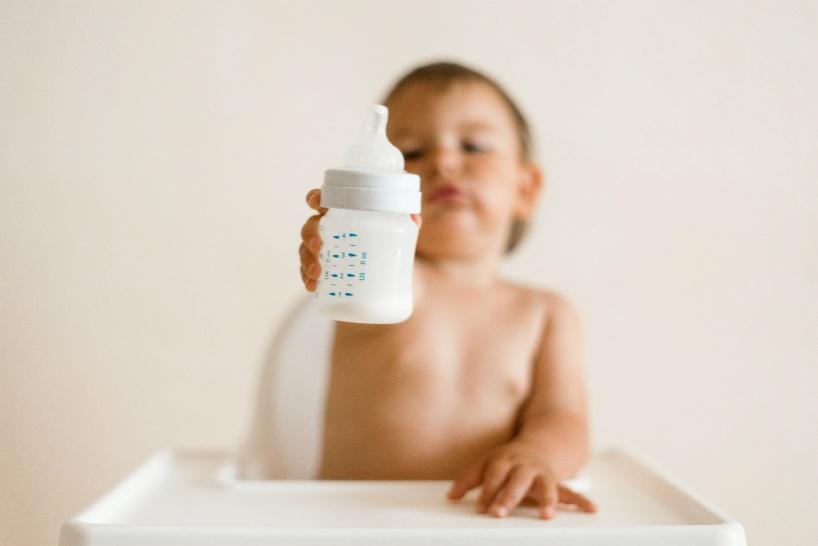 生まれてきた新生児にも使えるプロトン水