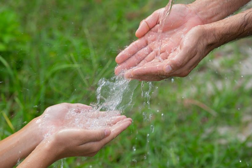 水がニキビ予防になる!だからこそ飲む水も質のいいものを