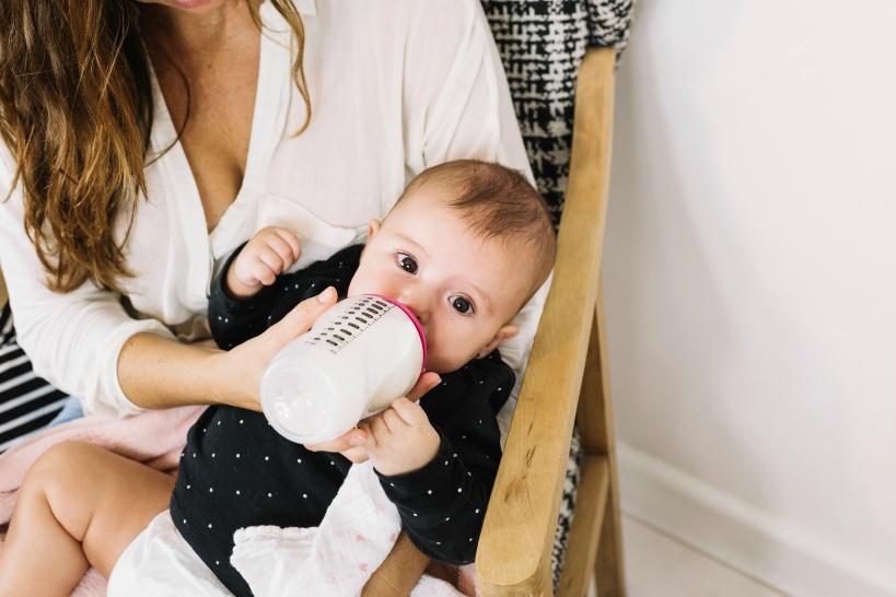赤ちゃんのミルクの調乳する水は大切に選ぼう!