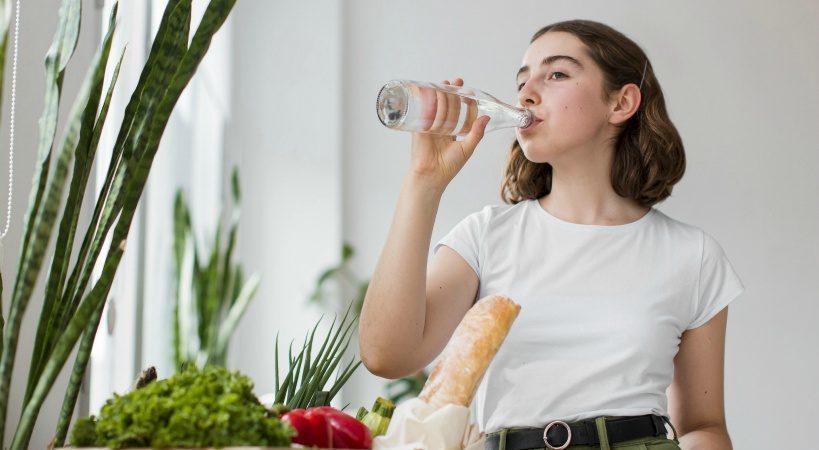 流行りのシリカ水と水素水(プロトン水)の効果・効能を比較。おすすめはどちら?