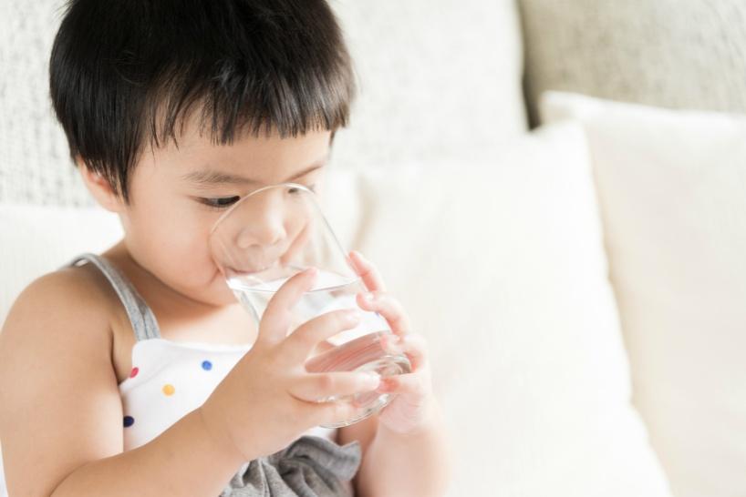 還元水素水(プロトン水)であれば赤ちゃんは下痢にならない!アルカリイオン水とは違う