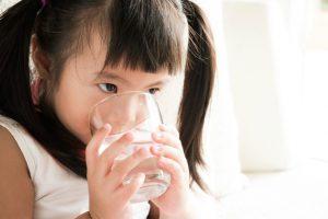 アルカリイオン水は赤ちゃんによくない!下痢だけじゃない病気を引き起こす