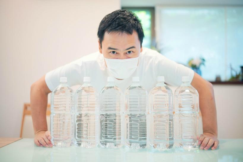 災害時の備蓄用の水にペットボトルがおすすめできない理由