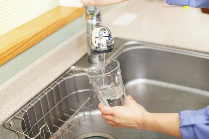 水素水の摂取は濃度が最も大切。水筒ではなく整水器が重宝されるわけ