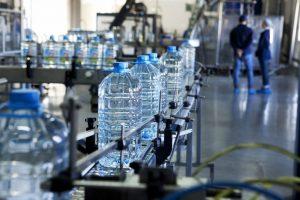 コンビニで売っている水素水は買う価値ある?科学的に効果を検証