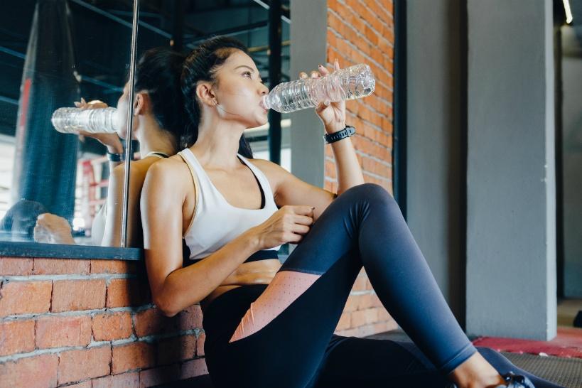 ジムでの水分補給に水素水を摂取して活性酸素を抑制!